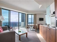 Spa Suite - Mantra Legends Surfers Paradise